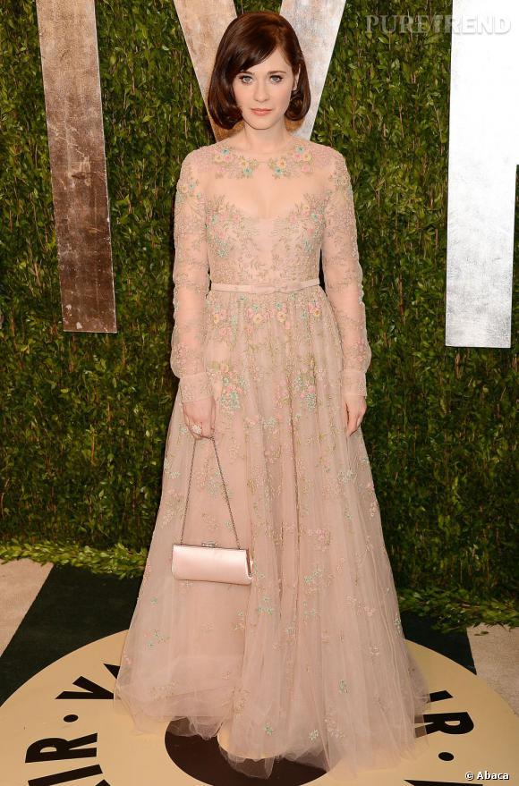 Zooey Deschanel en Valentino à la soirée Vanity Fair post-Oscars 2013.