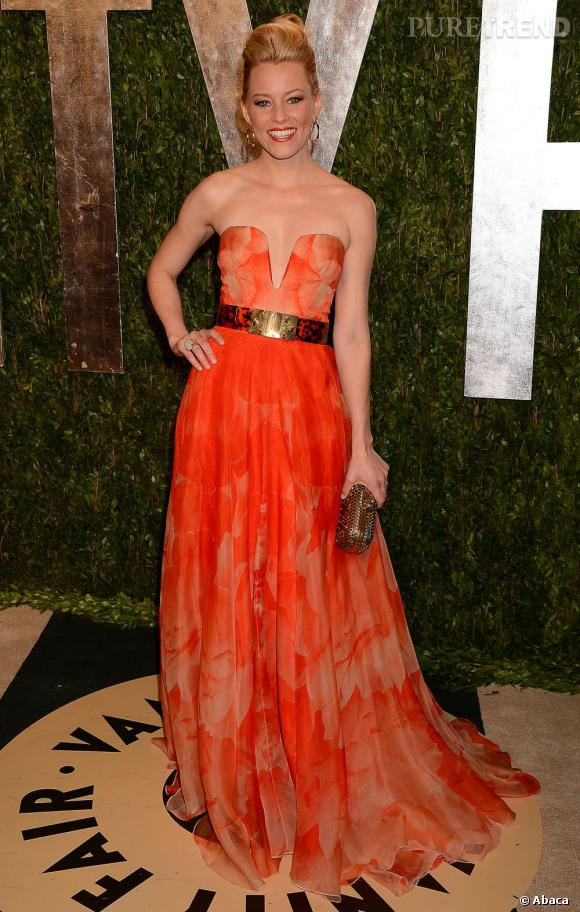 Elizabeth Banks dans une robe bustier Alexander McQueen à la soirée Vanity Fair post-Oscars 2013.