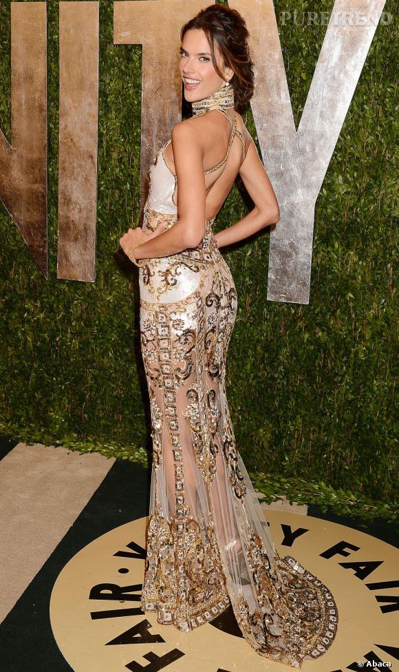 Alessandra Ambrosio à la soirée Vanity Fair post-Oscars 2013.
