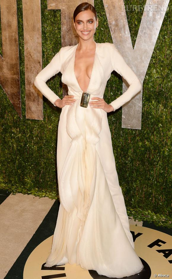 Irina Shayk à la soirée Vanity Fair post-Oscars 2013.
