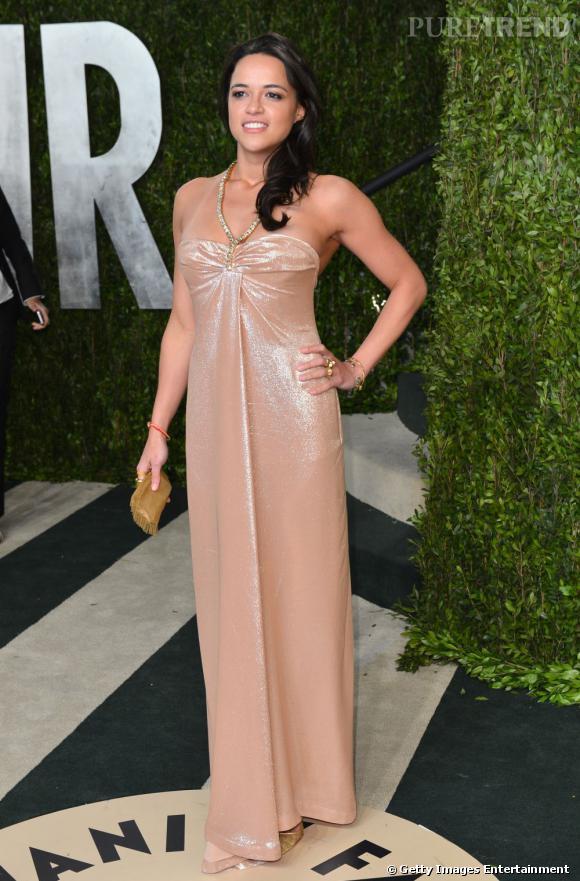 Michelle Rodriguez à la soirée Vanity Fair post-Oscars 2013.
