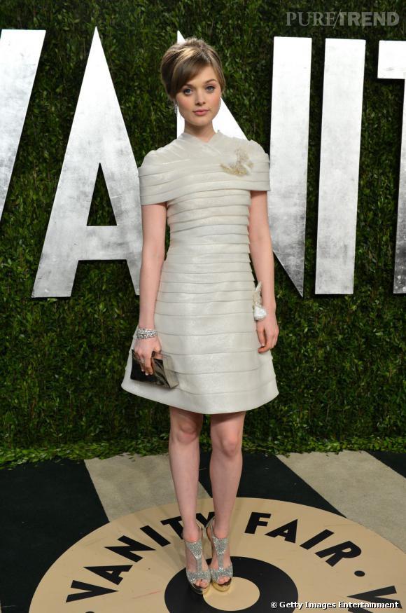 Bella Heathcote en Chanel à la soirée Vanity Fair post-Oscars 2013.