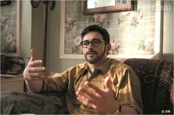 """Dans """"Howl"""", James Franco change de registre et joue les nerds, collier de barbe et lunettes à grosse monture à l'appui."""