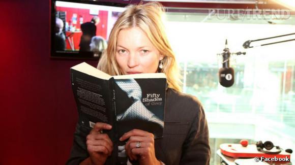 Kate Moss rejoue 50 Shades of Grey pour le Red Nose Challenge du Comic Relief au micro du Breakfast Show.