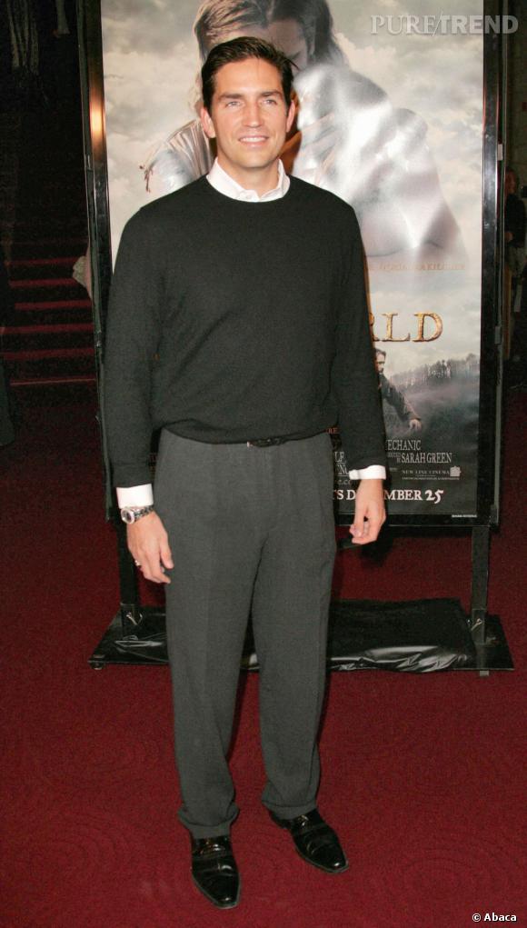 Jim Caviezel sur tapis rouge.