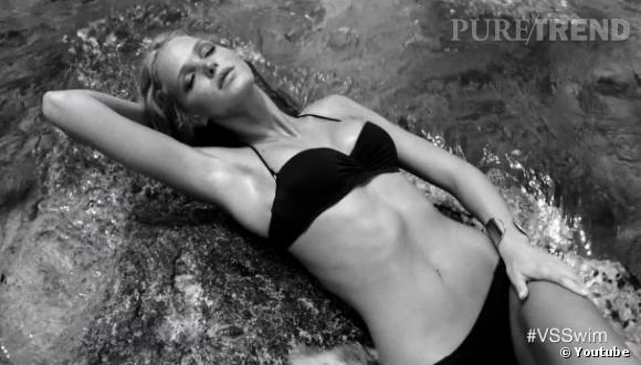 """Erin Heatherton et Behati Prinsloo dévoilent la collection Swimwear de Victoria's Secret sur la chanson """"Stay"""" de Rihanna."""