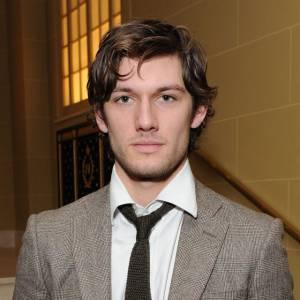 """Un homme séduisant et élégant, mais aussi assez sombre et mystérieux : parfait pour """"Fifty Shades of Grey""""."""