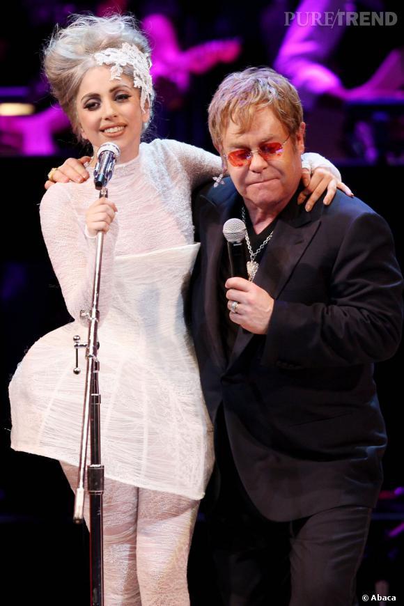 Elton John fait de Lady Gaga la marraine de ses deux fils.