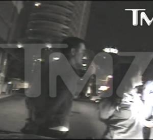 Reese Witherspoon en train d'être arrêtée pour conduite en état d'ivresse et trouble à la procédure.