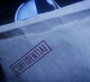 Dans cette vidéo, le groupe Daft Punk dévoile la pochette vinyle de leur album.