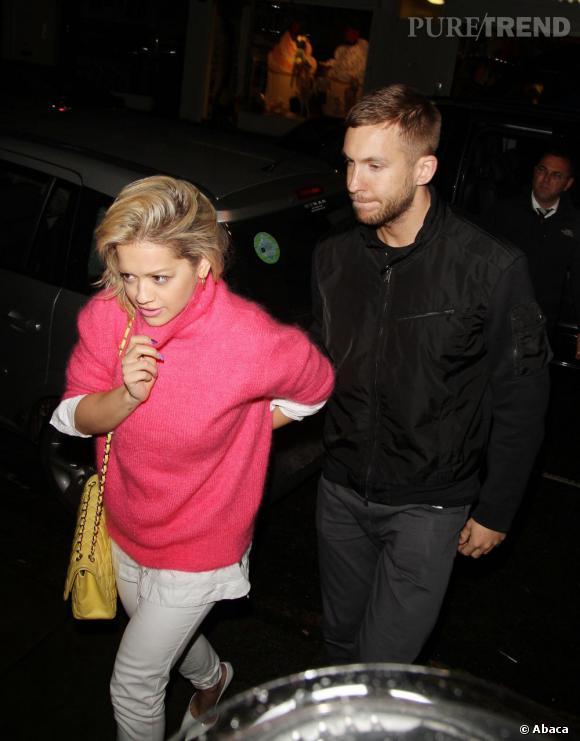 Rita Ora est arrivée main dans la main avec le DJ Calvin Harris lors d'une soirée organisée à Londres pour l'album des Daft Punk Random Access Memories.
