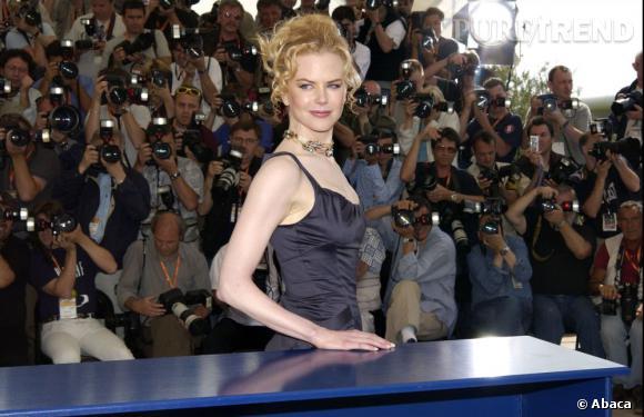 Nicole Kidman, très élégante dans une petite robe noire, au Festival de Cannes 2003.