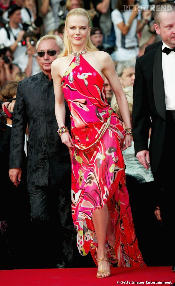 Nicole Kidman dans une robe multicolore au Festival de Cannes 2003.