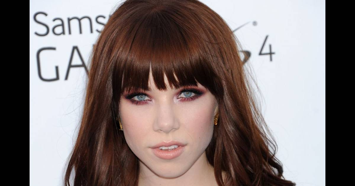 le pire et le meilleur beaut des billboard awards 2013 carly rae jepsen a opt pour un regard. Black Bedroom Furniture Sets. Home Design Ideas