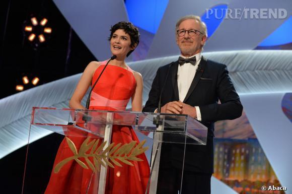 Audrey Tautou la maîtresse de cérémonie et Steven Spielberg pour la cérémonie de clôture de Cannes 2013.