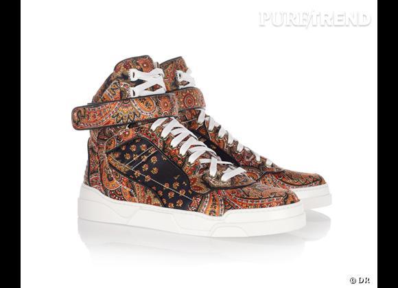 Fashion obsession : des baskets hype !    Baskets montantes Givenchy, 520 € sur  Net-a-porter.com