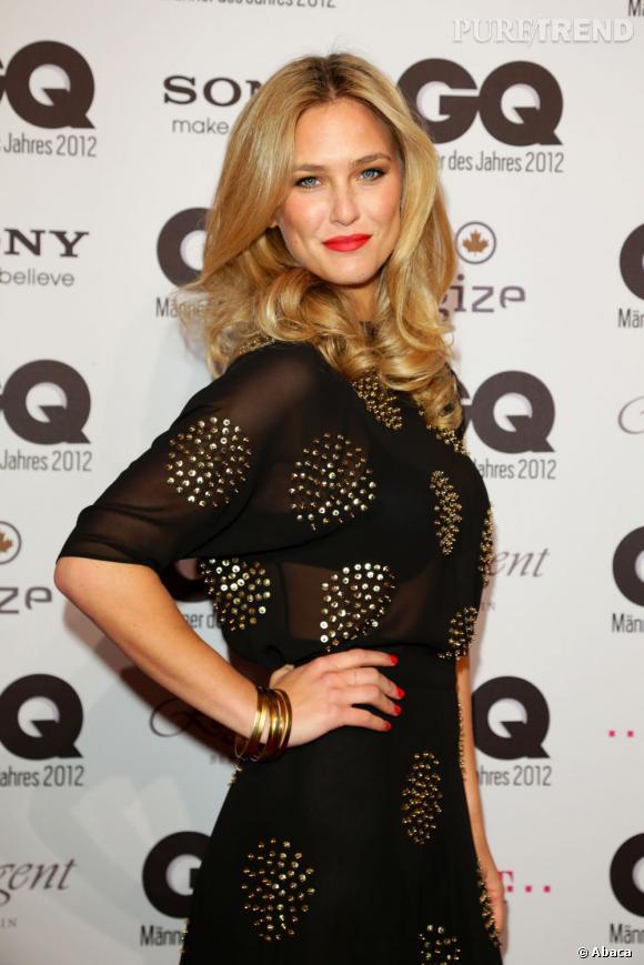 Les plus beaux blonds d'Hollywood : Bar Refaeli est adepte du blond clair.