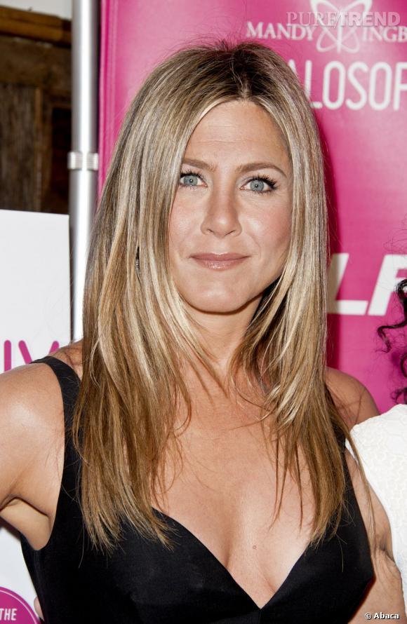 Les plus beaux blonds d'Hollywood : Jennifer Aniston, fidèle au blond.