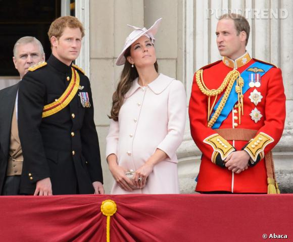"""Dernière apparition avant son accouchement pour Kate Middleton lors de la parade """"Trooping the colour"""" pour l'anniversaire du couronnement de la reine Elizabeth II."""
