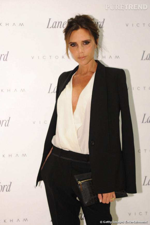Victoria Beckham Porte Une Tenue Enti Rement De Sa Propre