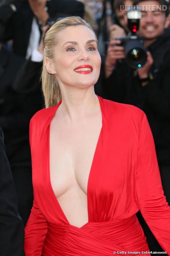 Emmanuelle Seigner possède un sex-appeal indéniable dans