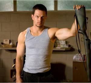 Pour incarner un tireur d'élite dans Shooter en 2007, Mark Wahlberg n'a pas dû lésiner sur la gonflette. Ses muscles sont saillants et parfaitement dessinés.