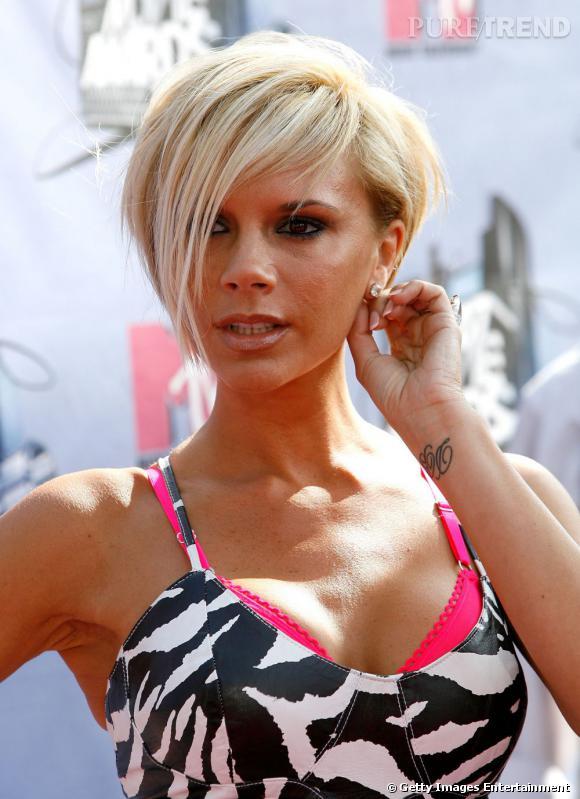 Victoria Beckham blonde, on est moins fan...