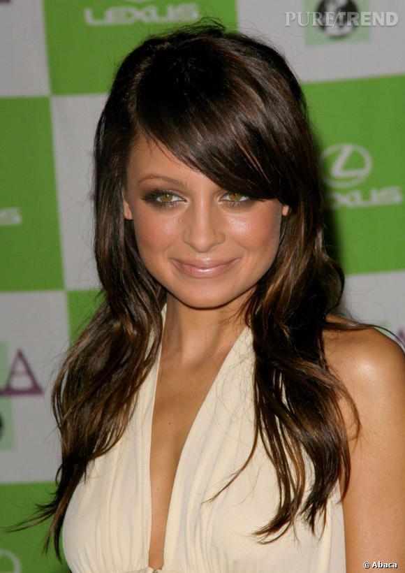 Nicole Richie splendide en brune...