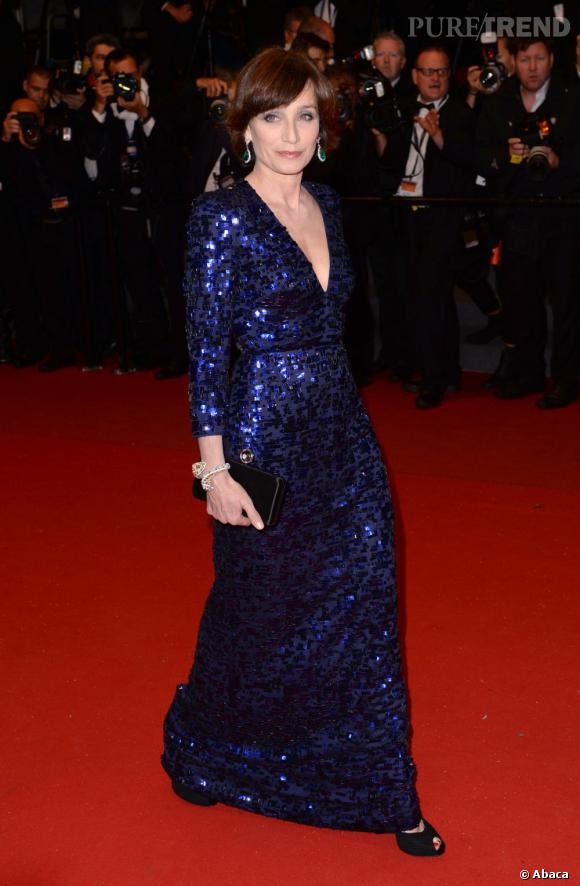 Pourtant très en beauté au dernier Festival de Cannes, Kristin Scott Thomas confie s'être sentie comme un vieux sac au milieu de toutes les jeunes actrices.