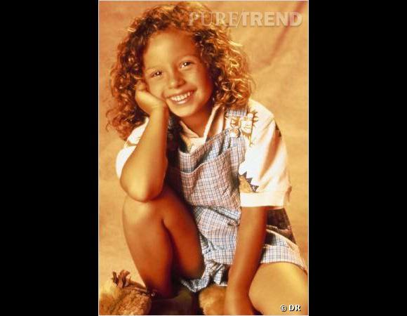 """C'est à l'âge de 7 ans que Mackenzie Rosman commence à jouer le rôle de Rosie dans la série """"7 à la maison""""."""