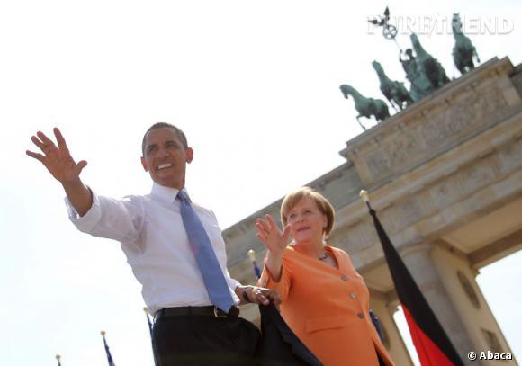 Le flop look officiel : Barack Obama en chemise retroussée on dit oui mais Barack avec des auréoles on ne veut pas voir.