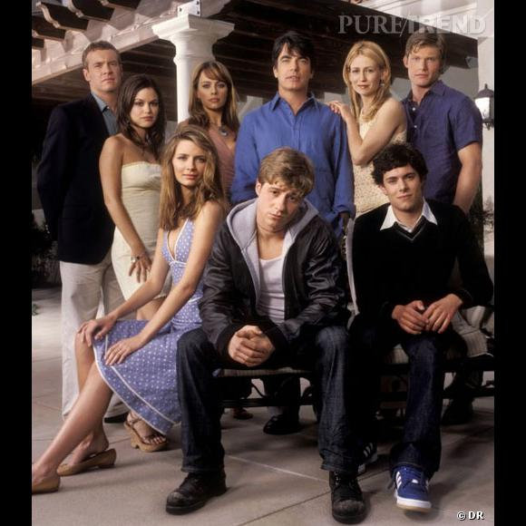 """Le 5 août 2003, la série """"Newport Beach"""" débute sur Fox et ne sait pas encore qu'elle va devenir un succès international. 10 ans après, que sont devenus Adam Brody, Rachel Bilson, Ben McKensie ou encore Mischa Barton ?"""