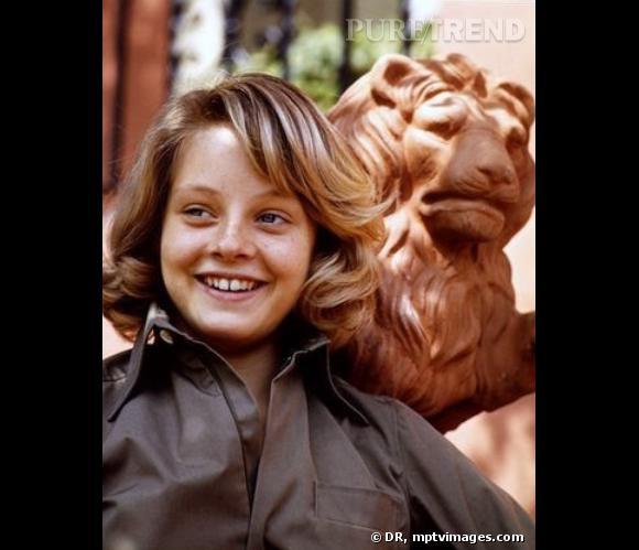 """Le flop """"première apparition"""" : Jodie Foster et un brushing apparemment copié sur le lion juste derrière elle..."""