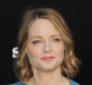 Le flop maquillage : Jodie Foster a essayé la paupière tangerine. Dommage...