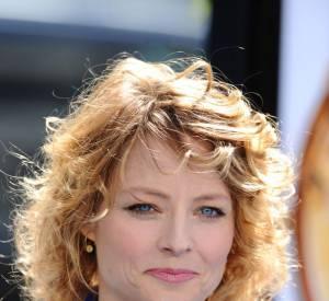 Le flop frisettes : Jodie Foster a confondu boucles et permanente. Bonjour les frisottis !