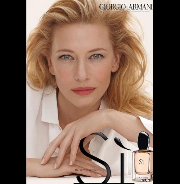 Cate Blanchett prend la pose sur la campagne so 90's du nouveau parfum Armani.