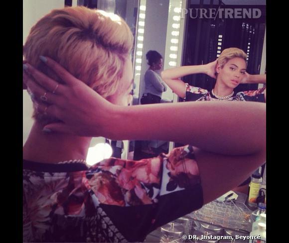 Beyoncé vient de couper ses cheveux tout court... D'ailleurs elle stresse de ne plus être elle-même sur scène.