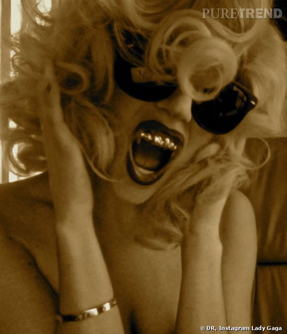 """Lady Gaga craque toujours pour tout ce qui peut lui donner une allure de """"Monster""""."""