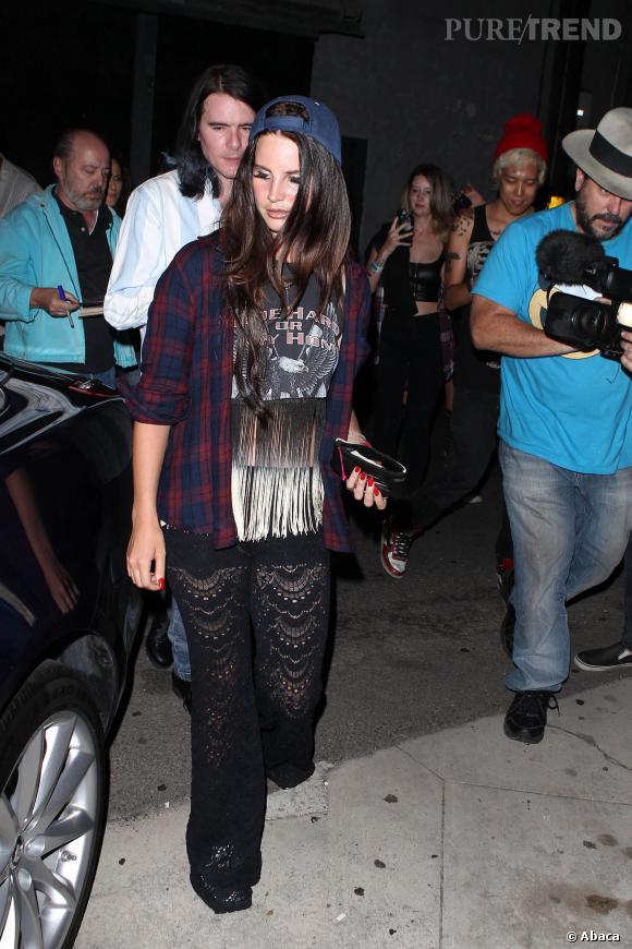 Lana Del Rey arrive à la salle du Troubadour, à Los Angeles, pour un concert de Courtney Love.