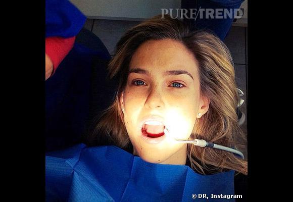 Bar Refaeli montre tout chez le dentiste.