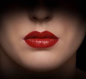 Ecstasy de Giorgio Armani : une pub vraiment inattendue pour un rouge à lèvres !