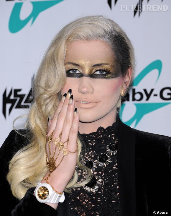Kesha a opté pour la tempe rasée, coiffure à la mode chez les ...