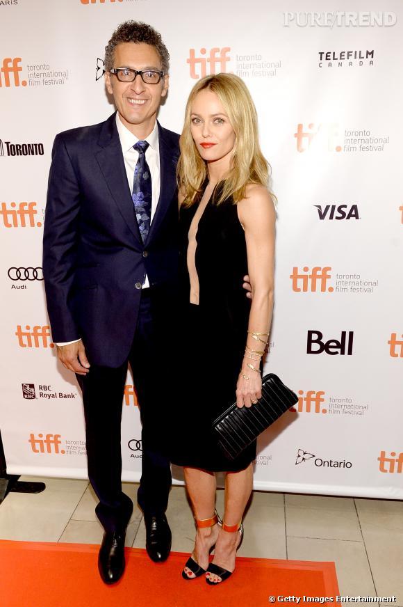 Vanessa Paradis aux côtés du réalisateur John Turturro.