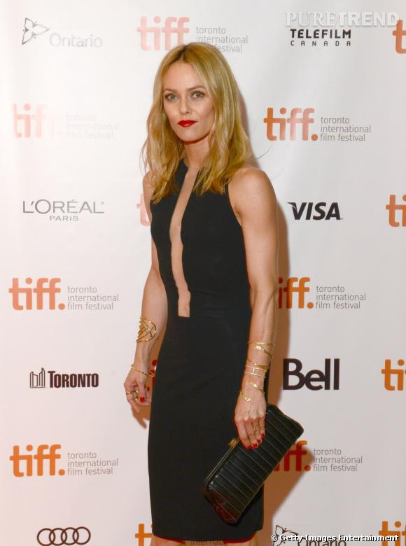 Vanessa Paradis opte pour une robe ultra-sexy pour se faire remarquer sur tapis rouge.