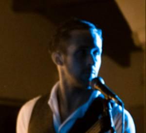 """Voilà la fameuse chanson """"Lose Your Soul"""" chantée par Ryan Gosling et son partenaire Zach Shields."""