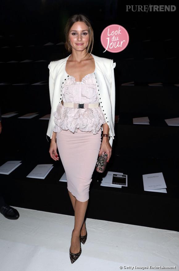 Olivia Palermo mise sur un ensemble rose poudré Nina Ricci pour assister au défilé de la maison.