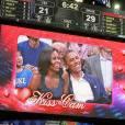 Michelle Obama et Barack Obama immortalisés par la Kiss Cam.