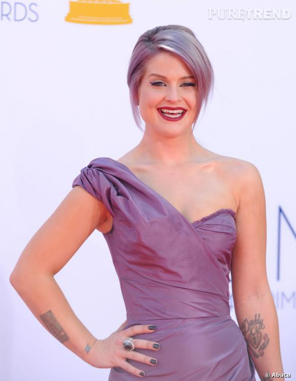 L'an dernier aux Emmy Awards, Kelly Osbourne arborait déjà une manucure Azature à 250 000 $.