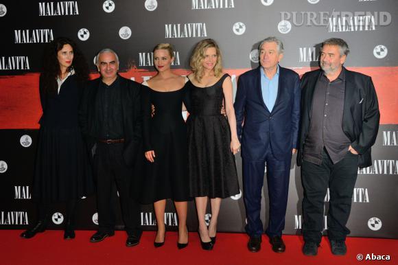 Dianna Agron, Michelle Pfeiffer, Robert DeNiro et Luc Besson à la première de Malavita en France.