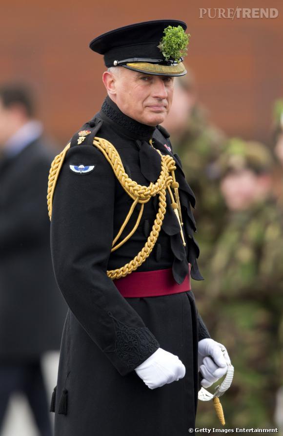 Jamie Lowther-Pinkerton est le Private Secretary de Kate Middleton et du prince William. Il sera l'un des parrains du Prince George.